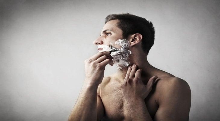 como limpar lâmina de barbear