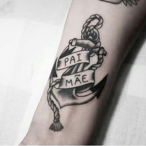 tatuagem masculina homenagem