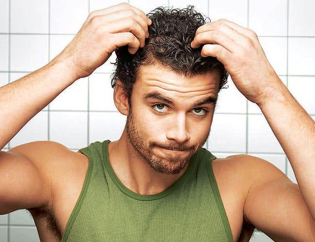 cabelo oleoso homem