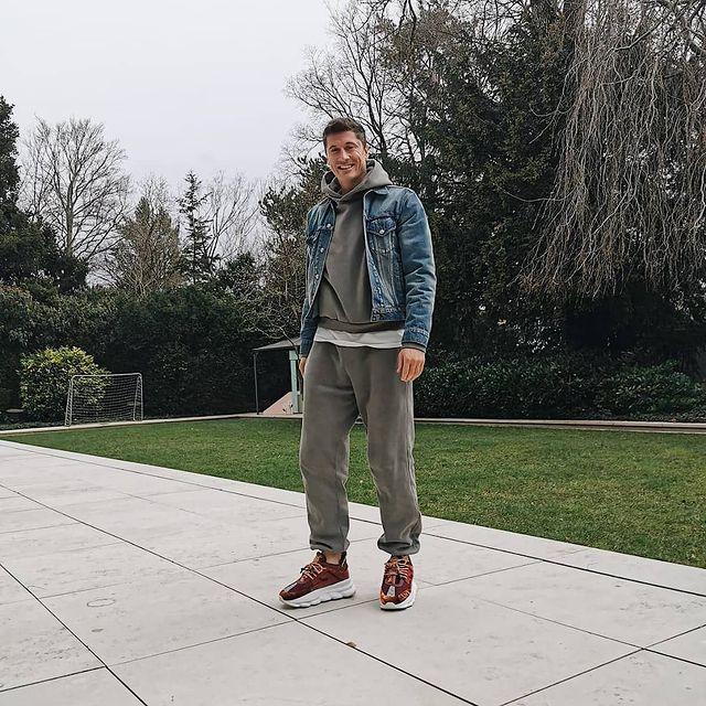 lewandowski-conjunto-esportivo-jaqueta-jeans