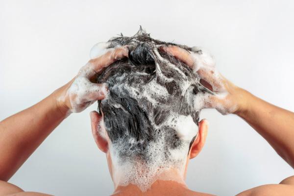 Como Lavar Cabelo Masculino