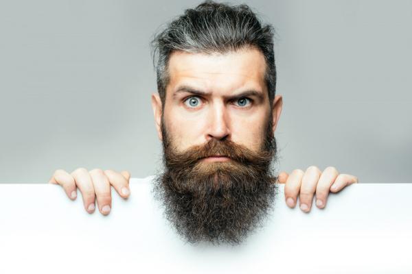Como deixar a barba crescer saudável?