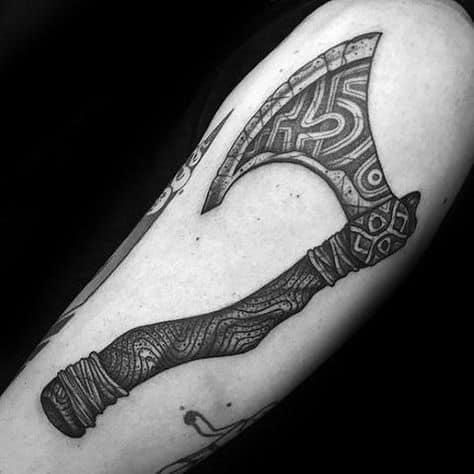 tatuagem machado viking