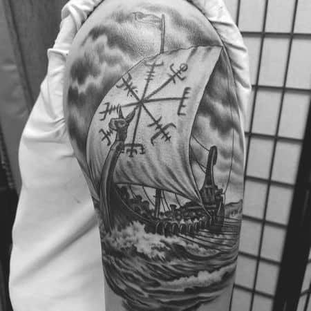 tatuagem navio