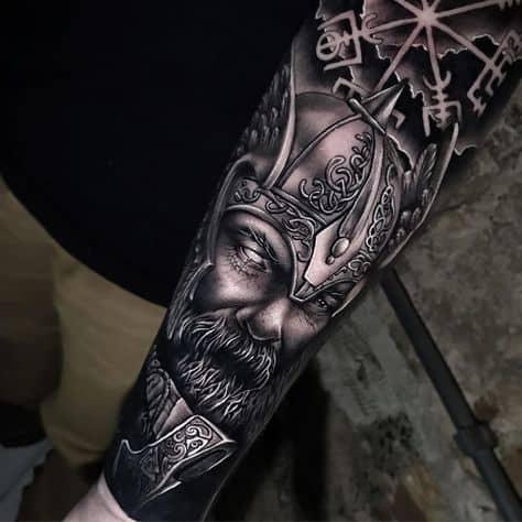 tatuagem viking braço inteiro