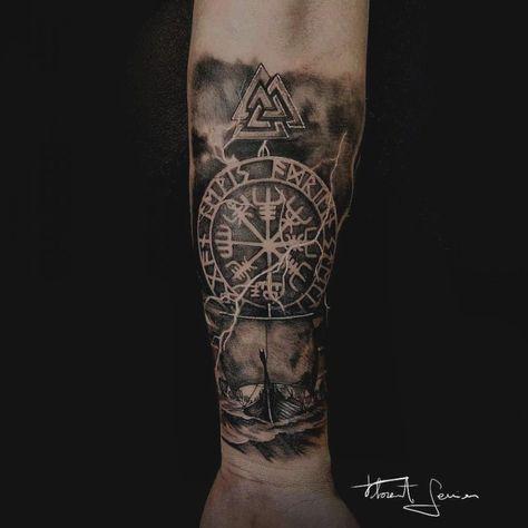 tatuagem viking no antebraço
